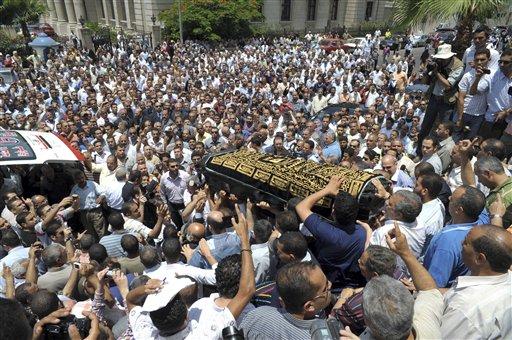 από την κηδεία της Marwa στην Αλεξάνδρεια(AP Photo/Nasser Nouri)